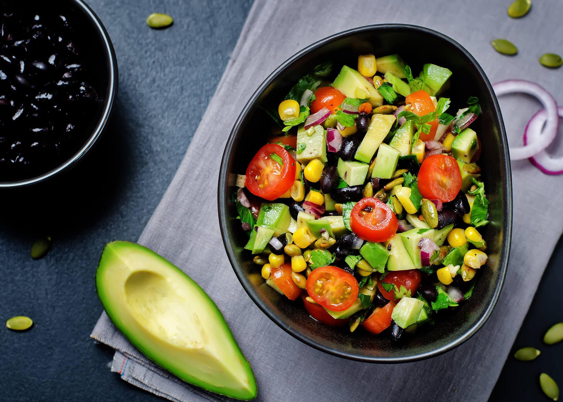 Schwarze Bohnen im Salat